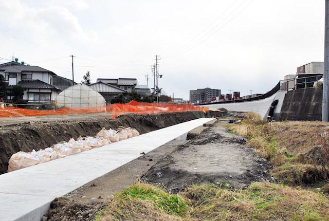 穴田川雨水工事